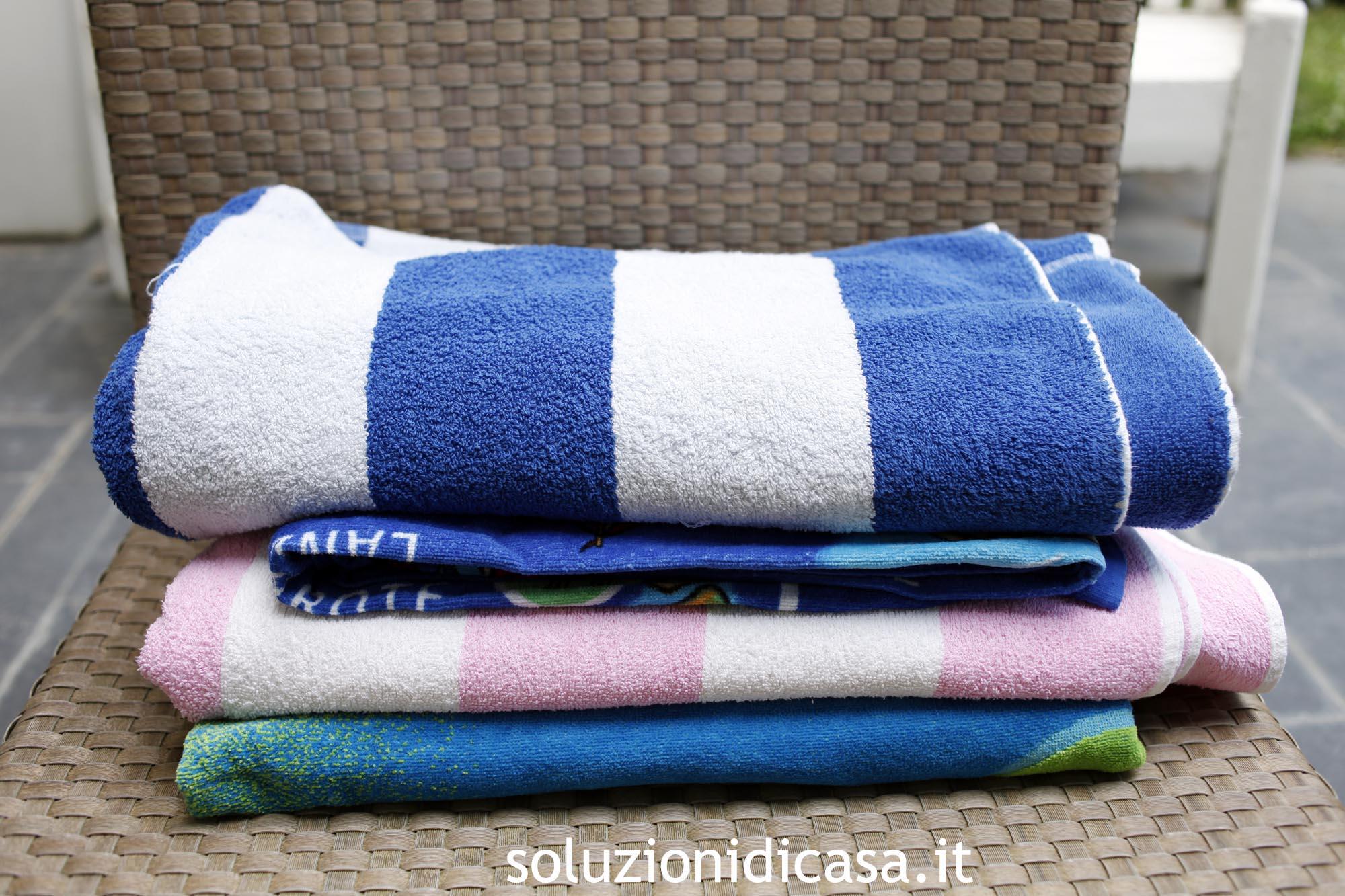 Come lavare gli asciugamani di spugna da mare