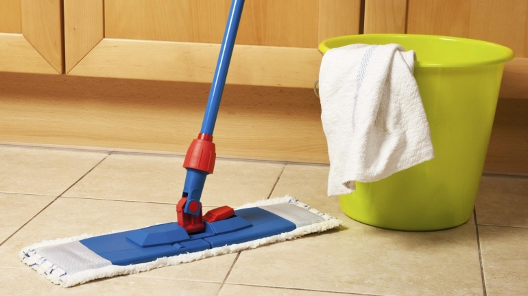 Come pulire bene i pavimenti
