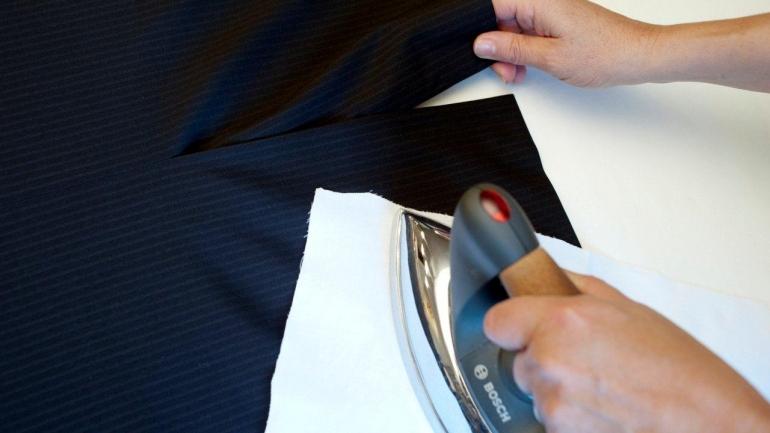 come stirare una giacca