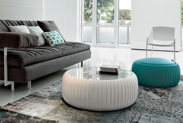 Arredamento in soggiorno: i pouf