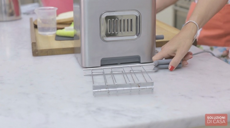 Come pulire il tostapane