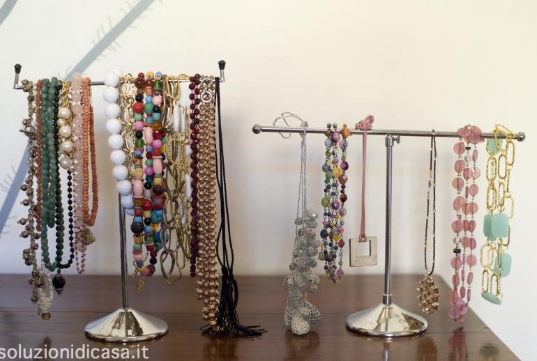 Come pulire i gioielli di diversi materiali