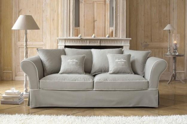 come pulire un divano di velluto