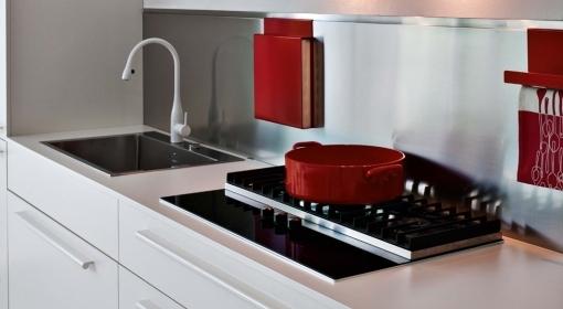 Come pulite i top di laminato in cucina